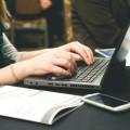 Como usar o HootSuite para gerir suas redes sociais